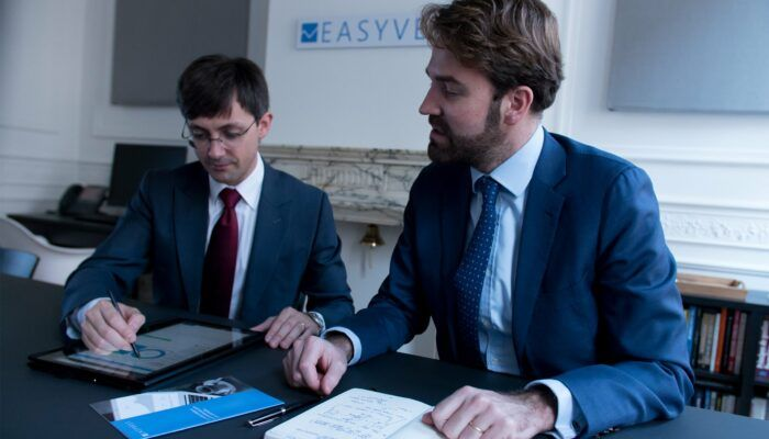 Conclure des assurances vie et en assurer le suivi entièrement en ligne, grâce à Easyvest